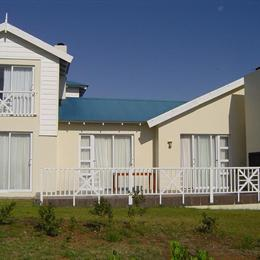 Lodge 64 Pinnacle Point, in the nearby from Klein-Brakrivierstrand