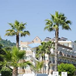 Almaluna Hotel & Resort, in the nearby from 100 M Nord Canale Bonifica Surgela