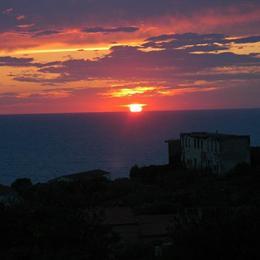 B&B Calata Di Soli, in the nearby from 100 Mt Ad Est Foce Fiume Santo