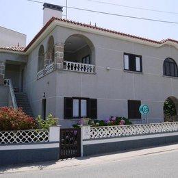 Villa Hostel Peniche, in the nearby from Praia D