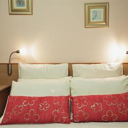 Adagio Luxury Self Catering Apartment, in the nearby from Shelly Beach