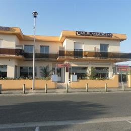 Hotel Le Plaisance, in the nearby from Plage Des Ailes-La Garluche