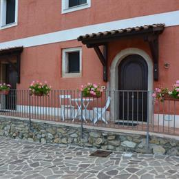 B&B La Casa Rossa, in the nearby from 1 Km Nord Torrente Lavandaia