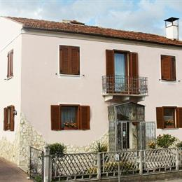 Bed & Breakfast Mafi, in the nearby from 100 Mt A Sud Foce T. Saraceni