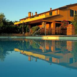 Agriturismo Colomboni, in the nearby from 80 M Sud Fosso Sejore