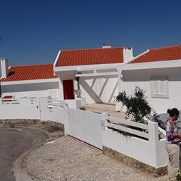 Tres Bandeiras Guest House B&B, in the nearby from Porto Da Calada