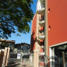 Residence Xenia, in the nearby from 100 M Nord Canale Bonifica Surgela
