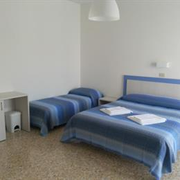 Hotel Canoa, in the nearby from Bassona - 100 M N   Foce Bevano