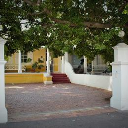 Tintagel Guest House Cape Town, in the nearby from Bloubergstrand