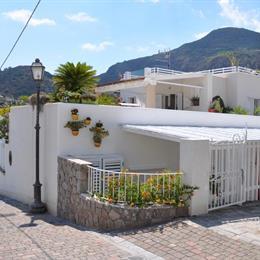 Villa Searose, in the nearby from Lipari Cala Sciabeca