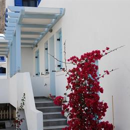 Adelphi Apartments Santorini, in the nearby from ammoudi