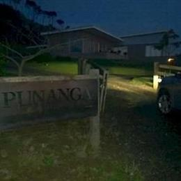 Punanga Lodge, in the nearby from Hills Beach