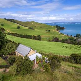 Woodside Bay Estate, in the nearby from Maraetai Beach