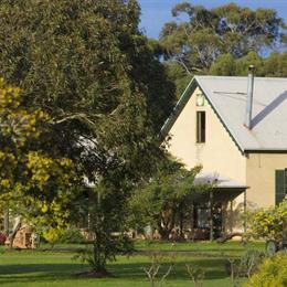 Freshwater Creek Cottages and Farm Stay, in the nearby from Anglesea Beach