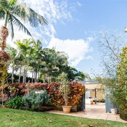 Homestay in Longueville near Clarkes Point Reserve, in the nearby from Seven Shillings Beach