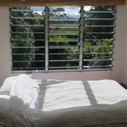 Homestay in Titirangi near Alex Jenkins Memorial Park, in the nearby from Hudsons Beach