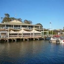 The Mitchells Waterfront Bed & Breakfast, in the nearby from Jimmys Beach