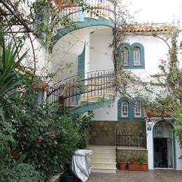 Apartments Villa Contessa, in the nearby from sisy - limani