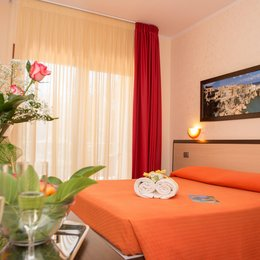 Villa Fenice Bed & Breakast, in the nearby from 5 Canale/Foce Direz. Stazione Agip