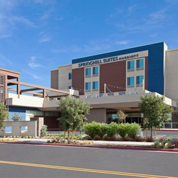 SpringHill Suites by Marriott Huntington Beach Orange County, in the nearby from Colorado Lagoon