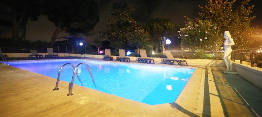 Hôtel Campanile Antibes_11