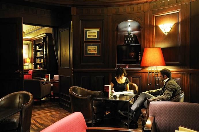 Hôtel Pont Royal Restaurant les Antiquaires_19