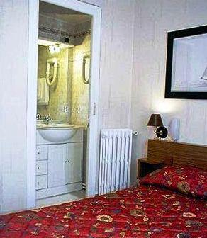 Hippodrome Hotel Paris_5