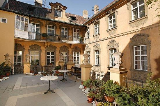Hotel U Zlateho Jelena Golden Stag