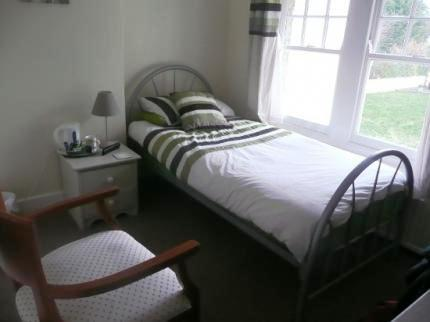 Hollybush Guest House_7