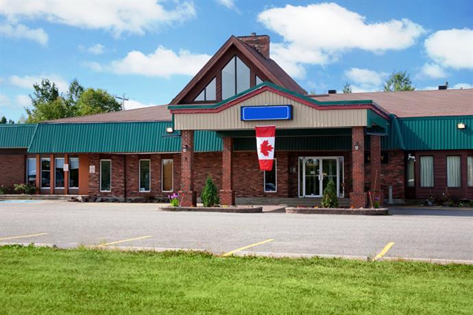 1 airport motor inn marathon highway 17 peninsula for Ontario motor inn ontario ca