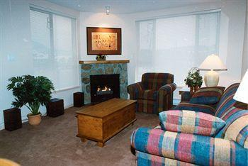 Town Plaza Suites by ResortQuest Whistler_16