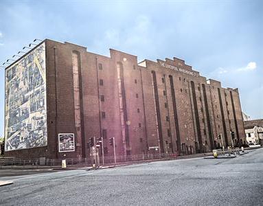 Victoria Warehouse Hotel
