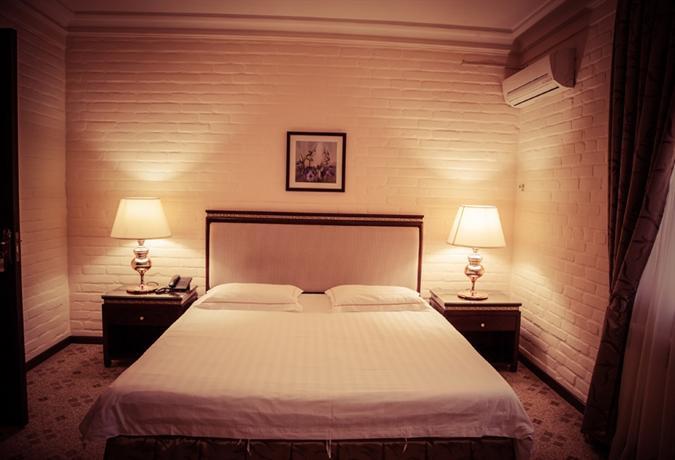 Hotel Sayram