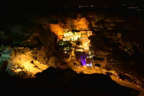 Village Cave Hotel