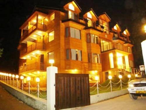 Hotel Pine Spring Gulmarg