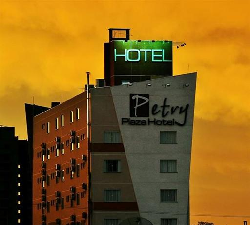 Petry Plaza Hotel