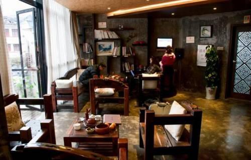 Langqiao Staion Hotel