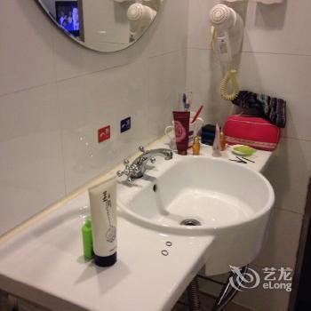Hanting Hotel Xinejiekou Wangfu Avenue