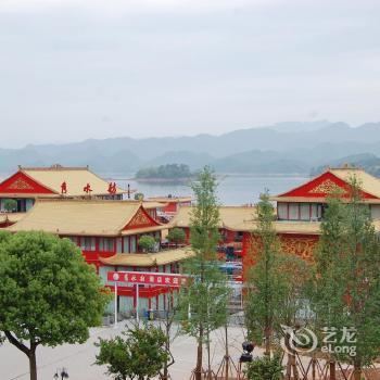 Lakeview Houseboat Hotel Hangzhou