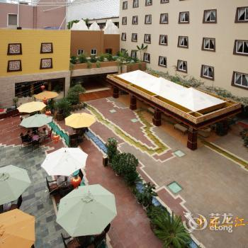 Paradise Hotel Shangri La