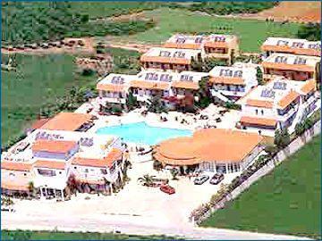 Lavris Hotel & Bungalows