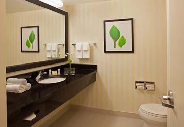4 Fairfield Inn Amp Suites By Marriott Toronto Mississauga