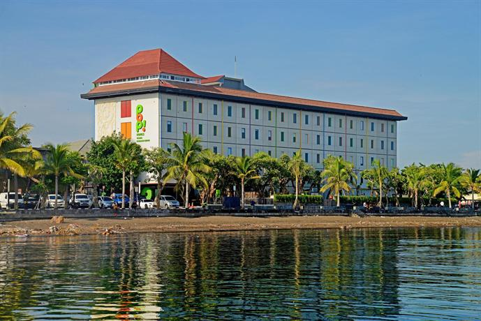 Pop Hotel Hardys Singaraja Square