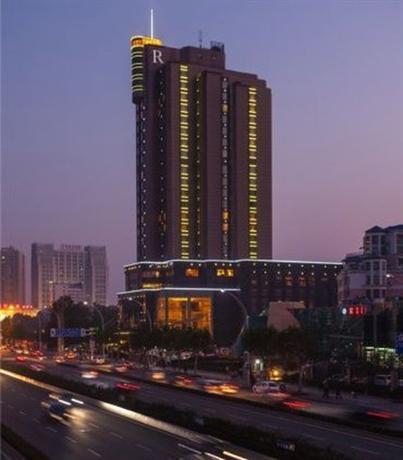 Renaissance Wuhan Hotel A Marriott Luxury & Lifestyle Hotel