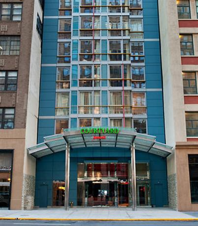 washington square park urban park in new york city. Black Bedroom Furniture Sets. Home Design Ideas