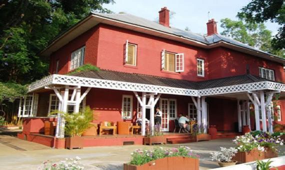Kandawgyi Hill Resort