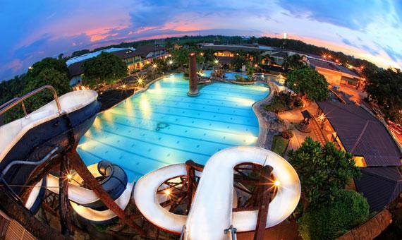 Caribbean Waterpark & Resotel Bacolod
