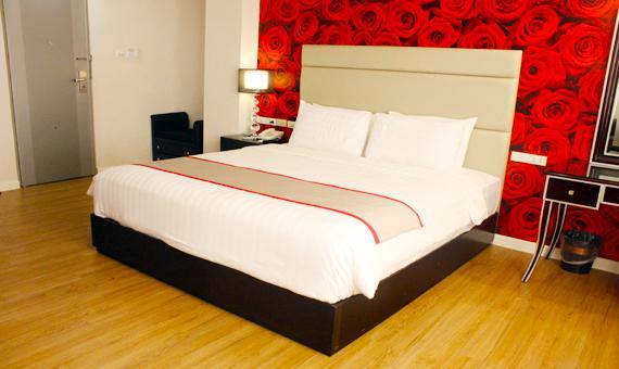 Queen Margarette Hotel Downtown