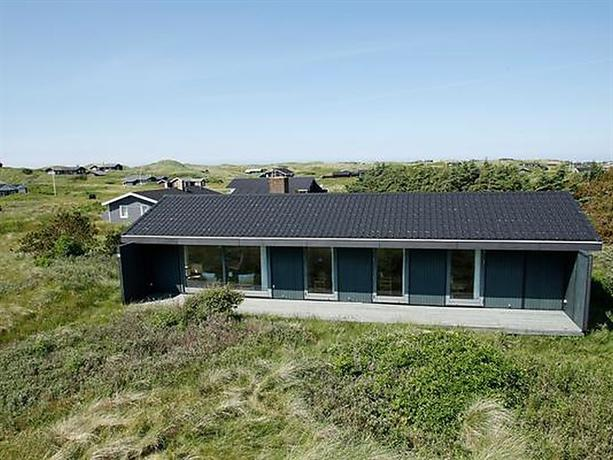 Three-Bedroom Holiday home in Lokken 44