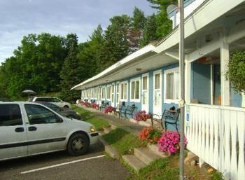 Carla's Restaurant and Lake Shore Motel